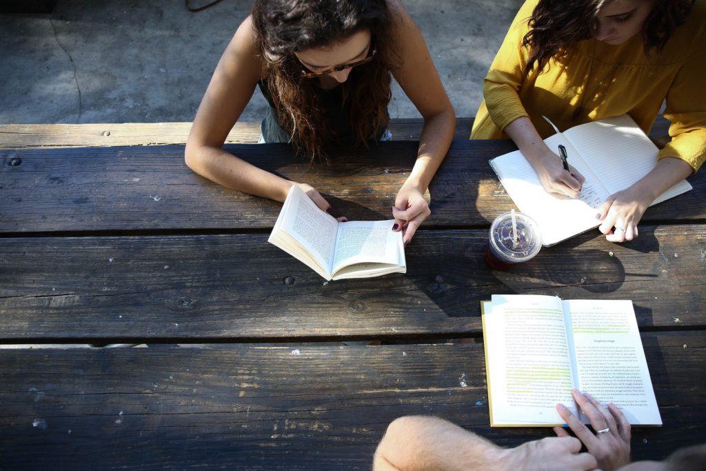 apoyo al estudiante - estudiar en ingles en espana